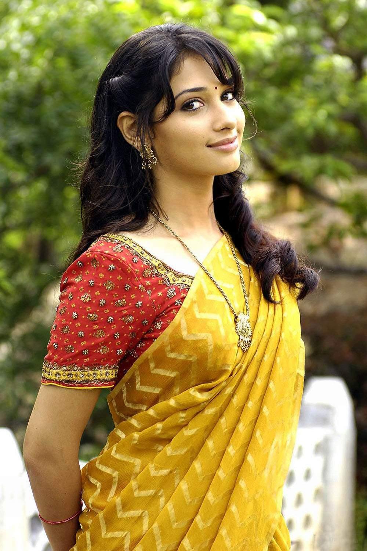 Tamanna Saree Gulte: Tamil Actress Tamanna Saree Hot Stills